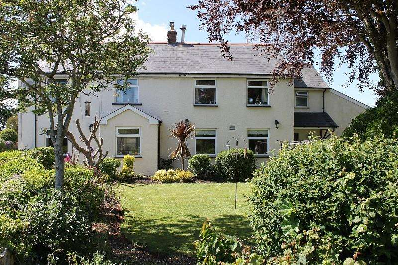 5 Bedrooms Detached House for sale in Llancadle, Nr Rhoose, The Vale Of Glamorgan. CF62 3AQ