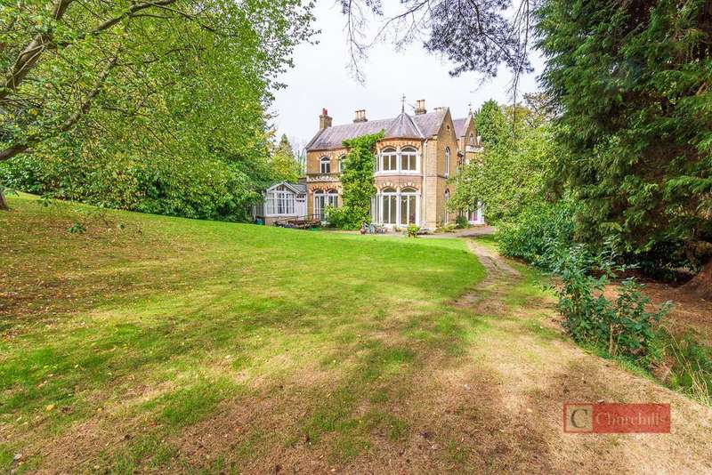 Detached House for sale in Hagsdell Road, Hertford