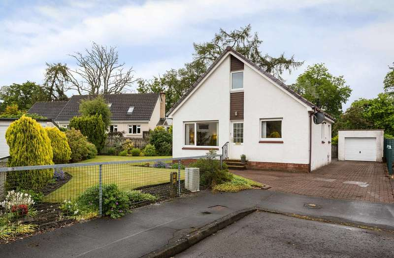 3 Bedrooms Detached House for sale in Angus Crescent, Crieff, Perthshire, PH7 4LF
