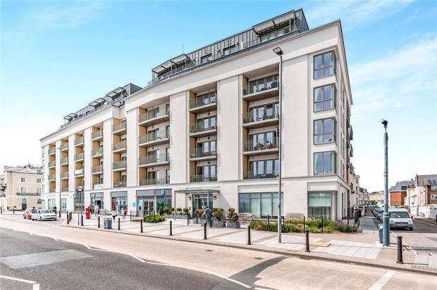 1 Bedroom Retirement Property for sale in Savoy House, South Parade, Southsea