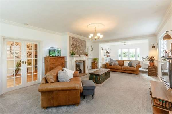 3 Bedrooms Detached House for sale in Peartree Lane, Bulphan, Upminster, Essex