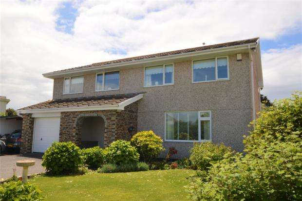 5 Bedrooms Detached House for sale in Trevarrian, Newquay, Cornwall