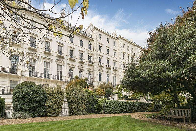5 Bedrooms Flat for sale in Hyde Park Gardens, London. W2