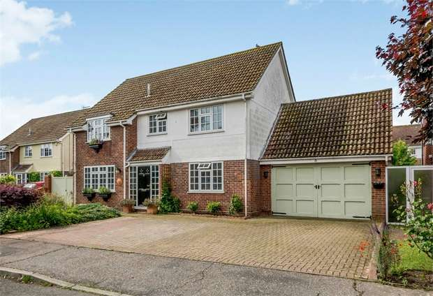 4 Bedrooms Detached House for sale in Crabtree, Kirby-le-Soken, Frinton-on-Sea, Essex