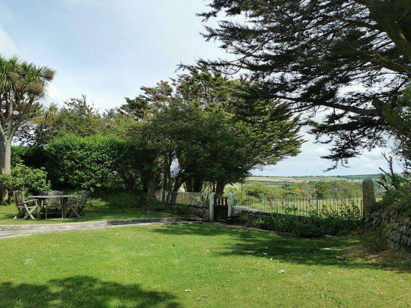 5 Bedrooms Detached House for sale in Lethlean Towans, Hayle