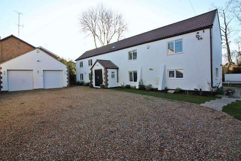 5 Bedrooms Detached House for sale in WOW factor, click for more details...