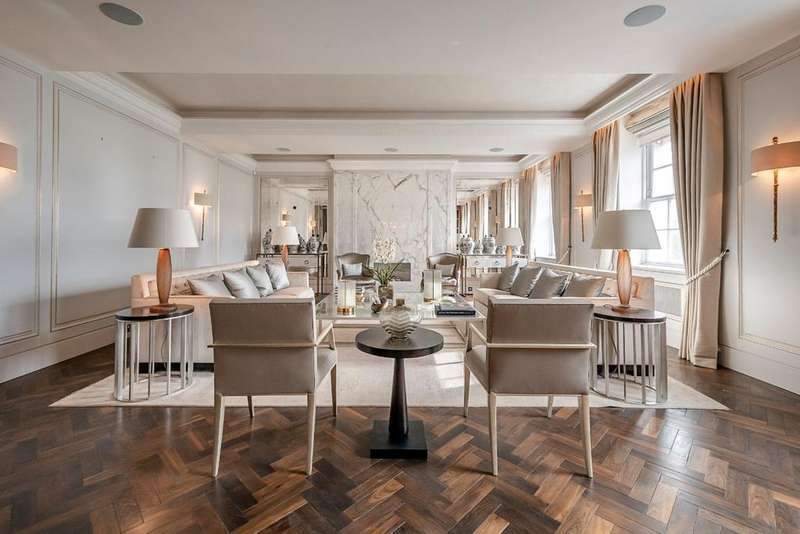 4 Bedrooms Flat for sale in Grosvenor Square, London. W1K