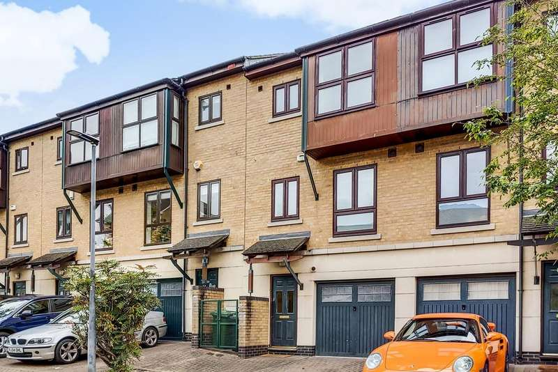 3 Bedrooms Town House for sale in Constable Avenue, Britannia Village, LONDON, E16