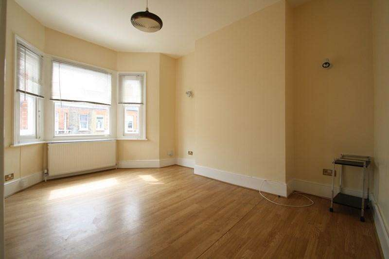 2 Bedrooms Apartment Flat for sale in Crewdson Road, Oval, Greater London, SW9
