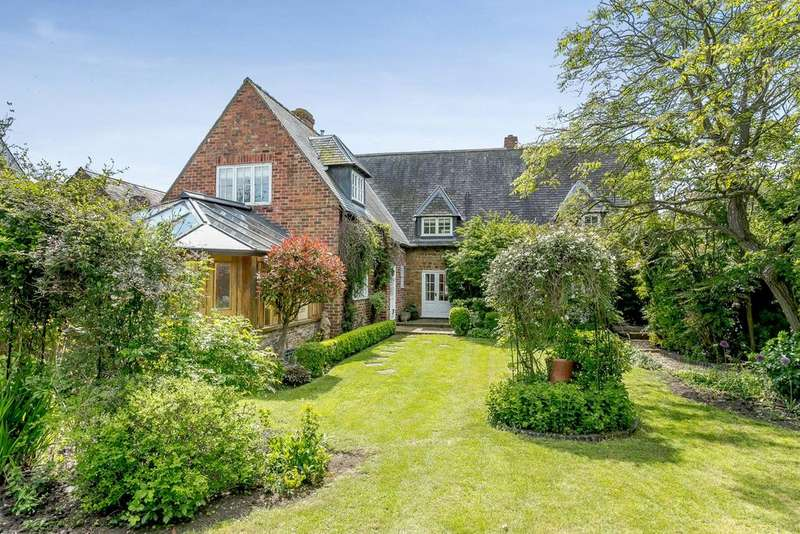3 Bedrooms Detached House for sale in Main Street, Slawston, Market Harborough, Leicestershire