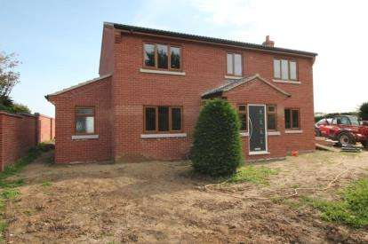 4 Bedrooms Detached House for sale in Moulton St. Mary, Norwich, Norfolk