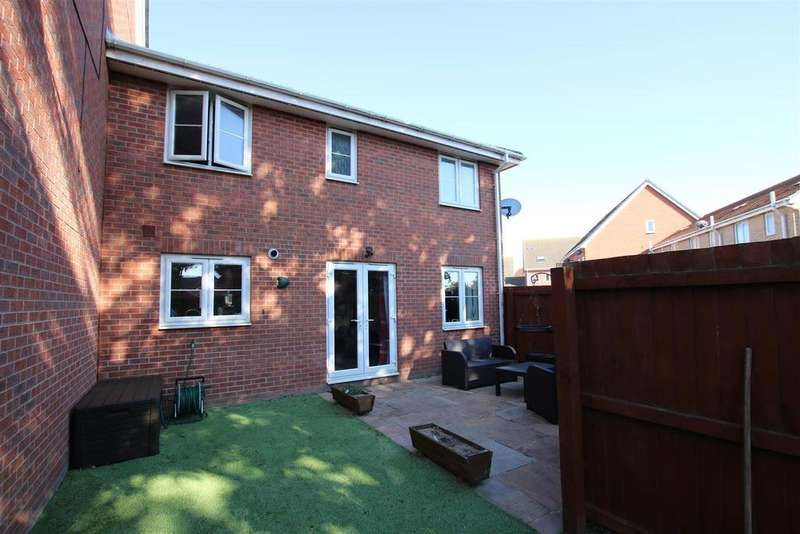 2 Bedrooms Terraced House for sale in Brutus Court, North Hykeham