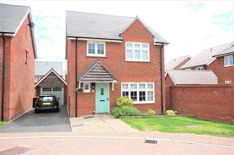 4 Bedrooms Detached House for sale in Gwenddwr Grange Close, Newport. NP20 2QA