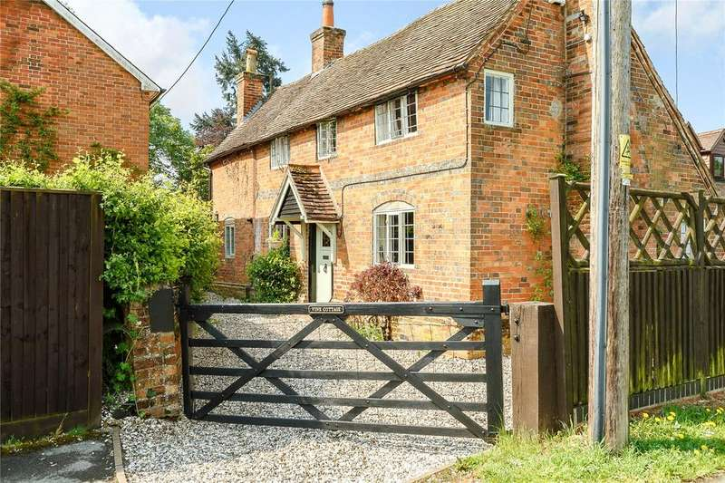 3 Bedrooms Detached House for sale in Tinkers Corner, Silchester, Hampshire, RG7