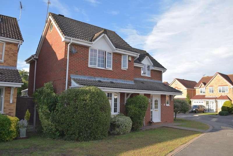 4 Bedrooms Detached House for sale in Fenton Grange, Church Langley, Harlow, Essex, CM17 9PG
