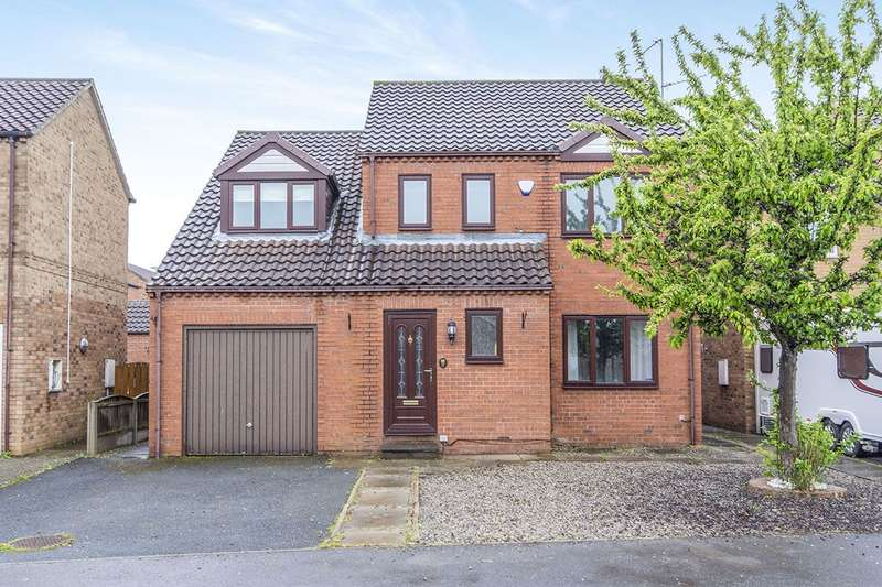 4 Bedrooms Detached House for sale in 17 Summerfield Drive, Brotherton, Knottingley, West Yorkshire, WF11