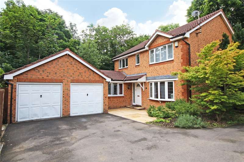 4 Bedrooms Detached House for sale in Redwoods, Addlestone, Surrey, KT15