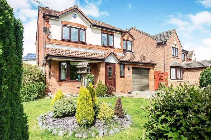 4 Bedrooms Detached House for sale in Andersen Court, Townville, Castleford, West Yorkshire, WF10