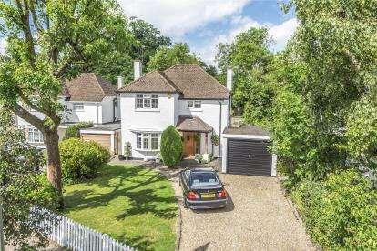 3 Bedrooms Detached House for sale in Wimborne Avenue, Chislehurst
