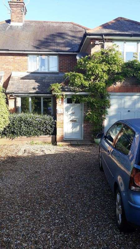 4 Bedrooms Property for sale in Heath End Road, High Wycombe