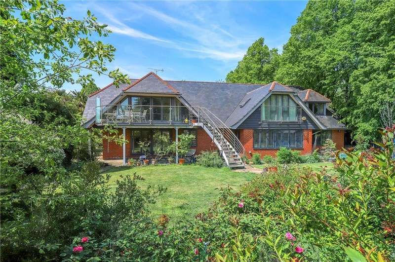 5 Bedrooms Detached House for sale in Great Bridge Road, Romsey, Hampshire, SO51