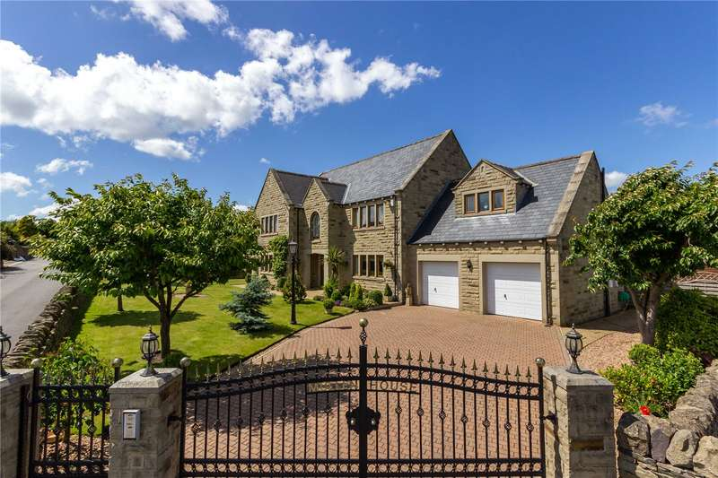5 Bedrooms Detached House for sale in Le Mar View, Southowram, Halifax, West Yorkshire, HX3