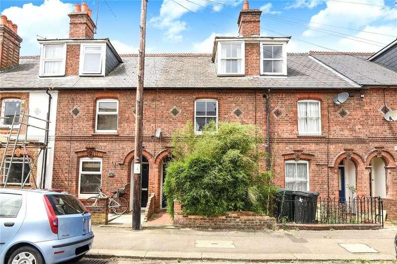 3 Bedrooms Terraced House for sale in Elgar Road, Reading, Berkshire, RG2