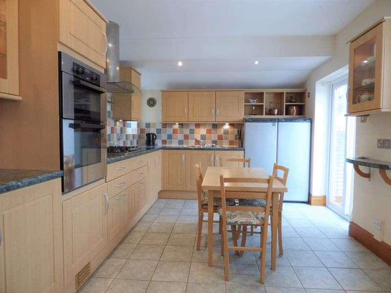 2 Bedrooms Property for sale in Ardengate, Scotforth