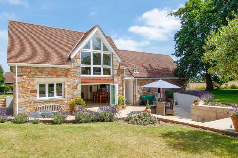 4 Bedrooms Detached House for sale in Trinity