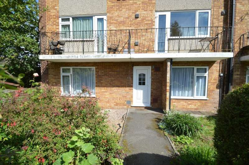 2 Bedrooms Maisonette Flat for sale in Cavendish Court, Coleridge Crescent, Colnbrook, SL3