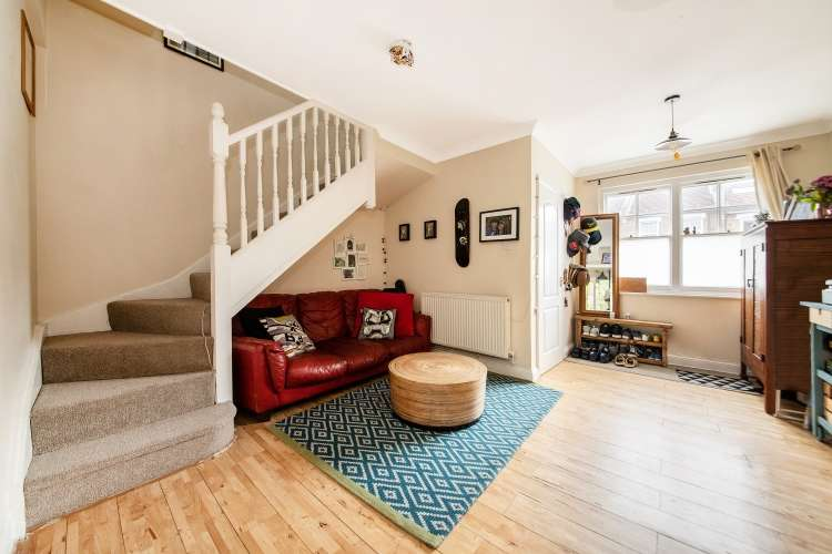 3 Bedrooms Semi Detached House for sale in Darfield Road Brockley SE4