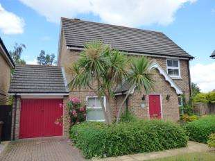 3 Bedrooms House for sale in The Whimbrels, St. Marys Island, Chatham, Kent