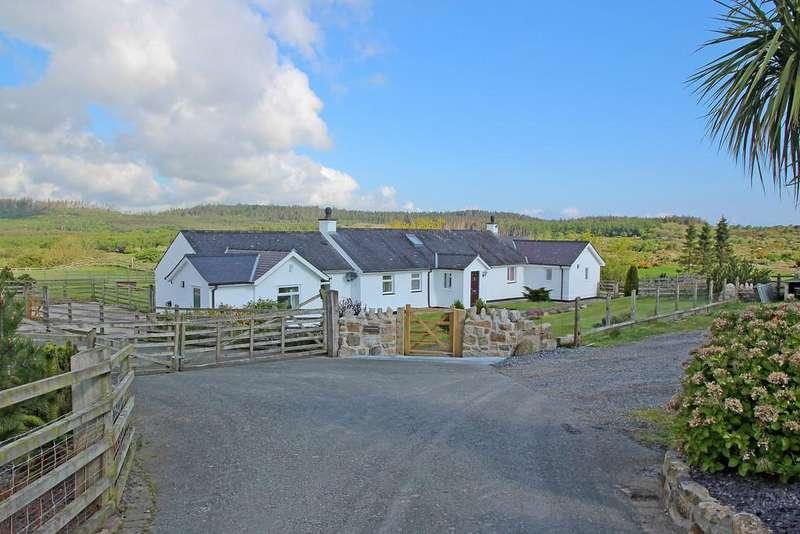 3 Bedrooms Detached House for sale in Llansadwrn, Menai Bridge, North Wales