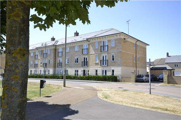 2 Bedrooms Flat for sale in Threshers Court, 1 Beech Lane, CARTERTON, Oxfordshire, OX18 1FR