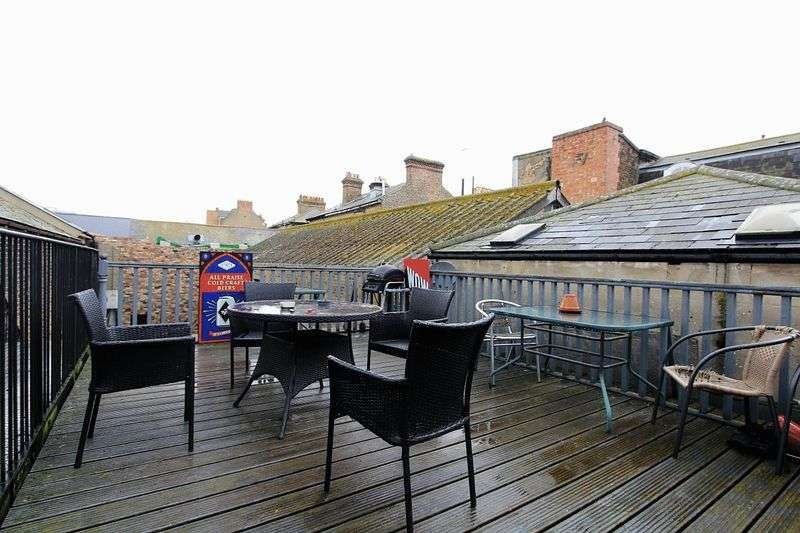 2 Bedrooms Property for sale in AT AUCTION, High Street, Southend-On-Sea
