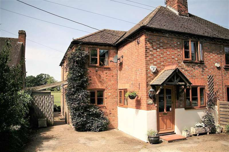 3 Bedrooms Semi Detached House for sale in Bovingdon Green - Fabulous West Facing Rural Views