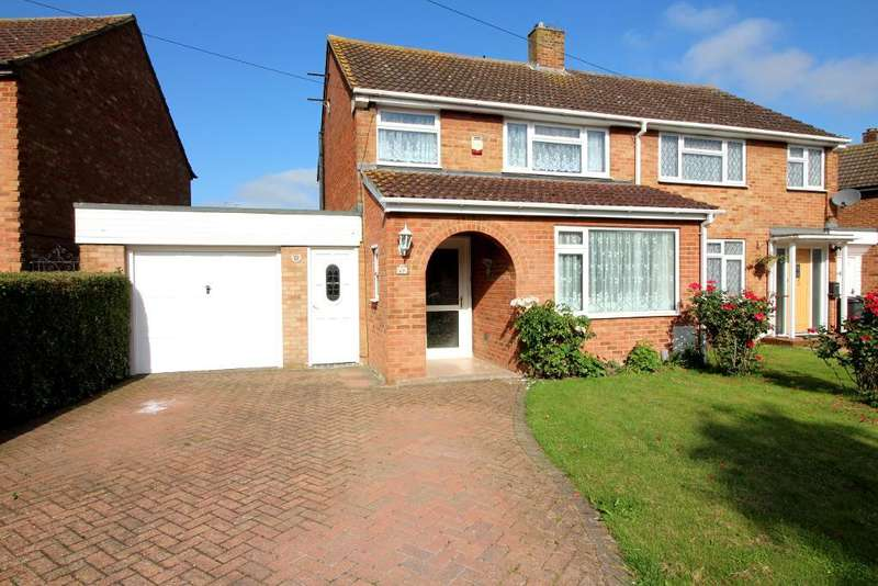 3 Bedrooms Semi Detached House for sale in Norman Road, Barton Le Clay, Bedfordshire, MK45 4QA