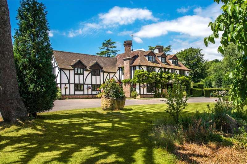 6 Bedrooms Detached House for sale in Cheesemans Lane, Hambrook, Chichester, West Sussex, PO18