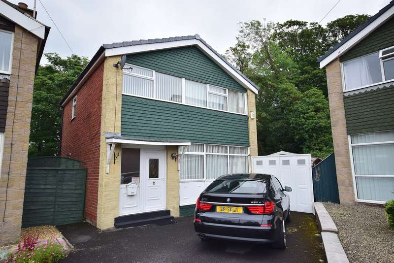 3 Bedrooms Detached House for sale in The Croft, St Annes on Sea, FY8