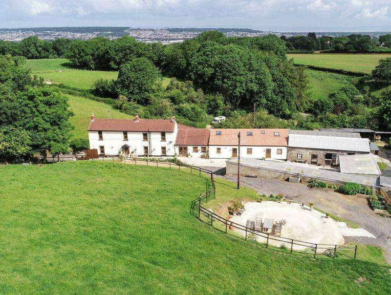 5 Bedrooms Detached House for sale in Canada Coombe, North Somerset