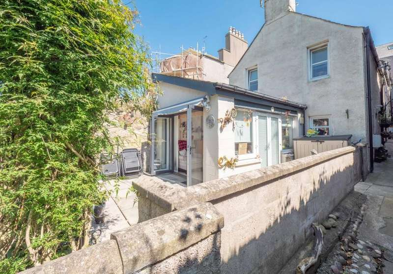 2 Bedrooms Town House for sale in High Street, Montrose