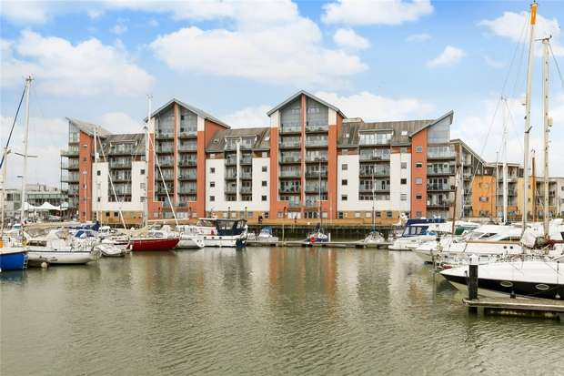 2 Bedrooms Flat for sale in Merchant Square, Portishead, Bristol