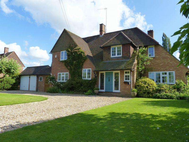 4 Bedrooms Detached House for sale in Hurley