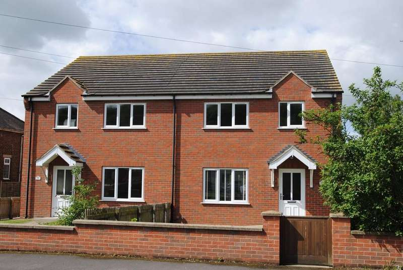 3 Bedrooms Semi Detached House for rent in Top Road, Worlaby