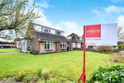 4 Bedrooms Detached House for sale in Lightfoot Lane, Fulwood, Preston, Lancashire, PR2