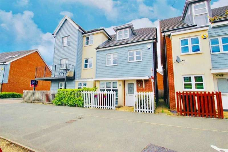 4 Bedrooms Town House for sale in Bantry Road, Cippenham, Berkshire
