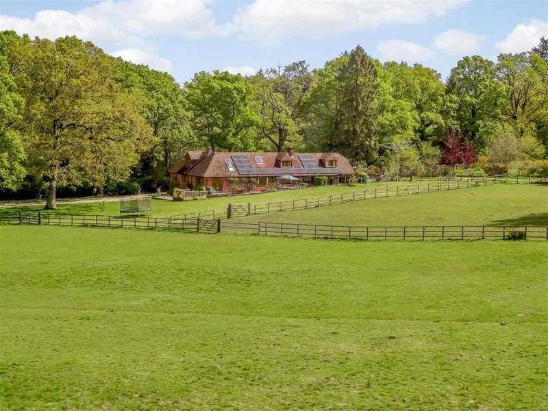 5 Bedrooms Equestrian Facility Character Property for sale in Deadmoor Lane, Newtown