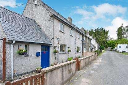 3 Bedrooms End Of Terrace House for sale in Min Y Brenig, Pentre Llyn Cymmer, Cerrigydrudion, Corwen, LL21