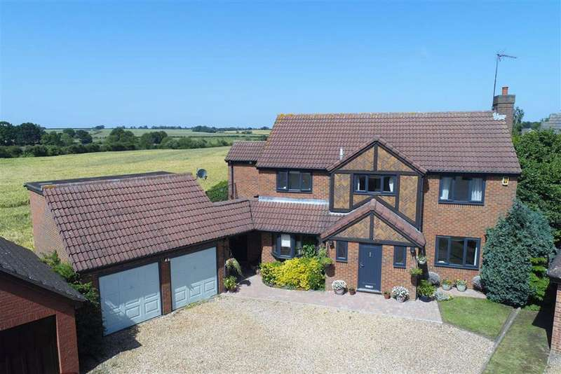 4 Bedrooms Detached House for sale in Moulton