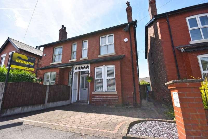 3 Bedrooms Semi Detached House for sale in Ravenoak Road, Cheadle Hulme